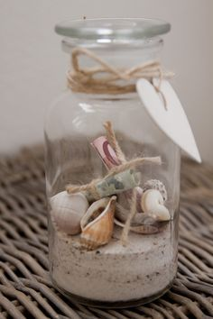 Money gift with shells and sand Diy Birthday, Birthday Gifts, Don D'argent, Shells And Sand, Money Games, Idee Diy, Seashell Crafts, Graduation Gifts, Little Gifts