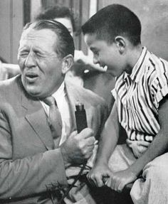Art Linkletter was born today in 1912 - here he is on his TV show House Party with the segment Kids Say The Darndest Things. Art Linkletter, My Childhood Memories, Sweet Memories, Old Shows, I Remember When, Great Tv Shows, Old Tv, Classic Tv, My Memory