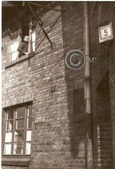 Budynek numer 5 przy ulicy St궜lickiego na Georshutte.Lata 60 XX wieku.( fot.ze zbiorów Henryka Nikisza)