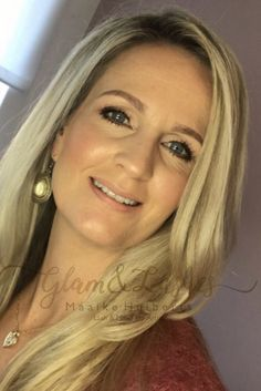 Wat leuk dat je een kijkje komt nemen op mijn Pinterest pagina. Mijn naam is Maaike Huiberts en eigenaresse van Glam & Lashes. Ik ben make-up addict en gek op alles wat met Beauty te maken heeft. Sinds September heb ik mijn eigen website en blog (waarin ik o.a. make-up tips deel) Je kunt bij mij terecht voor bruidsmake-up, bruidskapsels, wimperlift, wenkbrauw shapen en hennaverf, wimperextensions. Ben je nieuwsgierig geworden naar mijn werk, kijk dan eens op mijn website, FB of IG (zie link) Lashes, Make Up, Eyelashes, Makeup, Beauty Makeup, Bronzer Makeup, Eye Brows