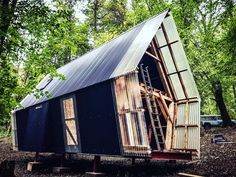Work in progress: Self built, home grown, relocatable accommodation cabin for interns and students at Invisible Studio