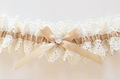 I want this one for garter! <3