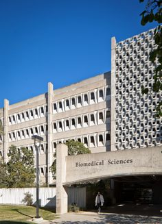biomed sciences bldg. UCSD: A Built History of Modernism