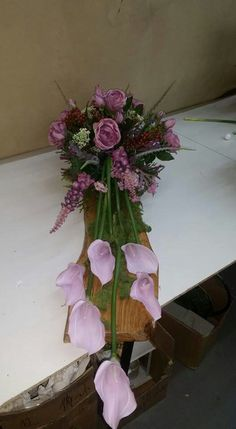 Funeral Flower Arrangements, Funeral Flowers, Grave Decorations, Flower Decorations, Flowers For Mom, Cemetery Flowers, Sympathy Flowers, Ikebana, Flower Art