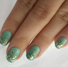 green gradien golden flakies nails nailart