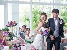 テーマウエディングが華やかに際立つ純白の空間で、お二人らしさ溢れるパーティーを。群馬県前橋市の結婚式場「ザ・リーヴス プレミアムテラス」のバンケット「テララ」をご案内いたします。