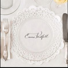 easy, inexpensive and vintage inspired wedding name card for a not too crowded table setting