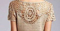 Linda blusinha em croche com motivo. Achado na net. Pull Crochet, Crochet Tunic, Crochet Clothes, Crochet Lace, Crochet Hooks, Crochet Bikini, Bralette Pattern, Crotchet Patterns, Crochet Woman