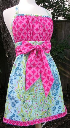 Binding made with fabric - ruched hem border Sewing Hacks, Sewing Crafts, Sewing Projects, Sewing Aprons, Sewing Clothes, Cute Aprons, Apron Designs, Aprons Vintage, Sewing Patterns