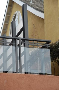 The best glass railing system on the market: make your deck railing beautiful without cable rails, with our Glass Lock Balcony Glass Design, Glass Balcony Railing, Balcony Grill Design, Balcony Railing Design, Window Grill Design, Steel Railing Design, Staircase Railing Design, Deck Railings, Glass Handrail