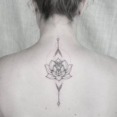 "Rom ☯ Tattoos 在 Instagram 上发布:""Lotus for Sigal ❤"""