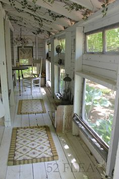 The Bird's Nest Inn is the secluded tiny get away behind Paula's little old farmhouse. In a former life, it housed chickens. Cottage Style, Farmhouse Style, Practical Magic House, Porch Area, Side Porch, Old Farm Houses, Interior Exterior, Villas, Future House