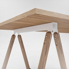 U5 table by ODESD2. Designer: Roman Horoshilov