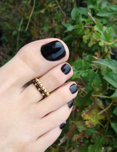 23 Cool Anklet & Toe Ring Combinations For Inspiration – Love Your Ankle Toe Ring Designs, Anklet Designs, Beautiful Toes, Pretty Toes, Beaded Jewelry, Beaded Bracelets, Jewellery, Gold Toe Rings, Gold Mangalsutra Designs