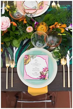 La Tavola Fine Linen Rental: Amazon Green (folded) with Peau de Soie Light Gold Napkins | Photography: Peterson Design & Photography, Planning: Dorothy Rose Events, Florals: Petals and Sea Breeze, Paper Goods: Gilded Swan Paperie, Venue: Ole Hanson Beach Club, Rentals: Sundrop Vintage