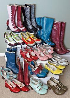 This pic is soooo dreamy! Sock Shoes, Shoe Boots, Shoe Bag, John Fluevog Shoes, Shoe Closet, Vintage Shoes, Suede Shoes, Beautiful Shoes, Me Too Shoes