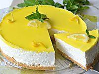 Torta fredda al limone e cioccolato bianco con doppio biscotto buona fresca e golosa, dal sapore delicato ideale per le calde giornate estive