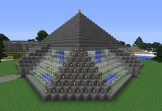 Spawn building - outside Screenshot from Minecraft. A spawn building from outside Minecraft Farmen, Minecraft Designs, Minecraft Pyramid, Minecraft Architecture, Minecraft Buildings, Building Map, Building Ideas, Cool Things To Build, Legos