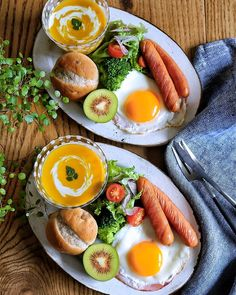 All the best recipes in Keto Recipes Breakfast Platter, Breakfast Recipes, Breakfast Snacks, Good Food, Yummy Food, Cafe Food, Morning Food, Aesthetic Food, Food Presentation
