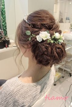 20 Stunning Wedding Hairstyles inspiration, You can collect images you discovered organize them, add your own ideas to your collections and share with other people. Plaits Hairstyles, Dress Hairstyles, Fancy Hairstyles, Bride Hairstyles, Hairdo Wedding, Wedding Hair Flowers, Bridal Hair And Makeup, Hair Makeup, Bridal Hair Inspiration