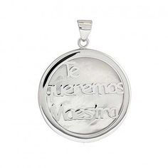 "Medalla ""Te Queremos MAESTRA"" de nácar y plata. Un regalo ideal para regalar a los maestros / as http://ift.tt/2rdwBIP  #colganteprofe #regaloprofe #detalleprofe #maestra #profesora #lamejorprofe #regalofindecurso #detallefindecurso #findecurso #regaloseño"