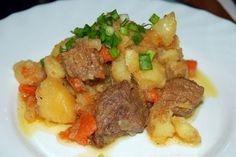 Ингредиенты: - 1 кг говядины - 1.5-2 кг картошки - 2 крупных луковички - 3 морковки Приготовление: Мясо разрезаем кусочками по...