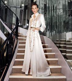 Twitter Chanel Fashion, Fashion Brand, High Fashion, Fashion Show, Fashion Design, Fashion News, Fashion Beauty, Gisele Bundchen, Silk Satin Dress