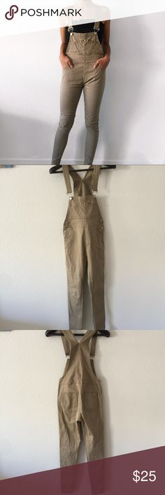 "Fashion Nova Khaki Skinny Overalls Skinny and stretchy overalls. Adjustable straps, cute front pockets and bottom details! So comfortable!!Measurements (all approx.) Waist: 28"" Inseam: 28"" Length: 38"" Rise: 11"" Fashion Nova Jeans Overalls"
