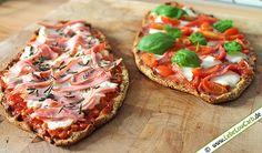 Super Rezept für Low Carb Pizza-Schiffchen mit Mandel-, Kichererbsen- und Leinsamenmehl. Perfekt als Fingerfood auf Partys oder als Hauptgericht mit Salat ... Die passenden Gewürze und Mehle findet Ihr in unserem Online-Shop unter www.foodonauten.de