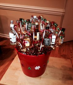 Holiday christmas baskets, alcohol gifts и liquor gift baskets. Christmas Things To Do, Cheap Christmas Gifts, Christmas Gift Baskets, Teacher Christmas Gifts, Christmas Minis, Christmas Gift Guide, Holiday Gifts, Christmas Crafts, Valentine Baskets