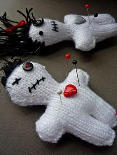 Free knitting pattern for Voodoo doll pincushion by Alison Hogg of Crazy Dazy