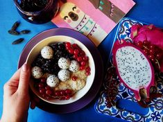 Quinoa Raz! Quinoa, Acai Bowl, Oatmeal, Breakfast, Food, Acai Berry Bowl, The Oatmeal, Morning Coffee, Rolled Oats