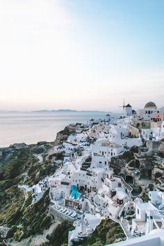 Bucket List: See the sunset in Oia, Santorini, Greece – The Overseas Escape