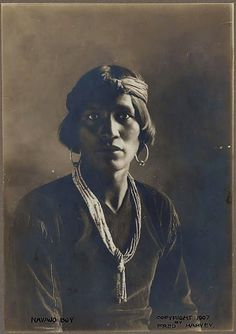 Indian Pictures: Faces of the Navajo Indian Tribe