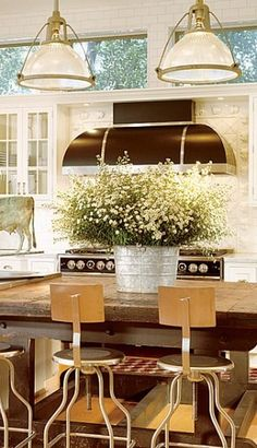 Love the Kitchen Lighting : Architectural Digest