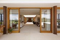 Casa H reúne madeira, vidro e área verde em combinação harmoniosa - Casa e Decoração - UOL Mulher