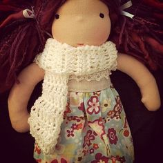 Dolly scarf (Doll: Pookidolls) Dolls, Clothes, Shopping, Design, Fashion, Baby Dolls, Outfits, Moda, Clothing