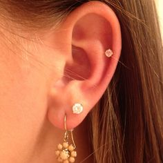 want a cartilage percing or just a second hole!, -Really want a cartilage percing or just a second hole! Spiderbite Piercings, Double Ear Piercings, Ear Peircings, Double Cartilage, Cartilage Piercings, Rook Piercing, Piercing Chart, Second Piercing, Bar Stud Earrings