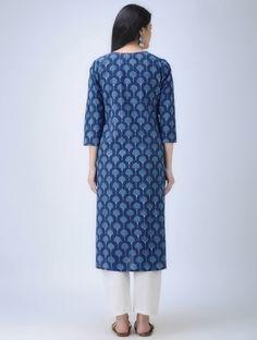 Indigo-Ivory Natural-dyed Dabu-printed V-neck Cotton Kurta