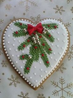 of the Best Christmas Cookie Recipes for the Holidays Fancy Cookies, Heart Cookies, Iced Cookies, Cute Cookies, Cupcake Cookies, Cupcakes, Christmas Biscuits, Christmas Sugar Cookies, Christmas Sweets