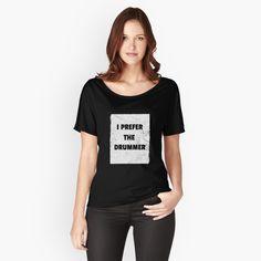Loose Fit, Blue Bg, T Shirt Citations, Popular Girl Names, My T Shirt, Tee Shirts, Chiffon Tops, Fitness Models, Shirt Designs