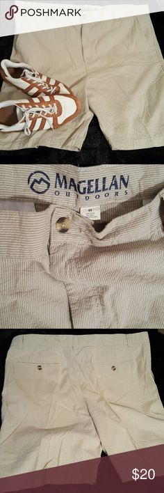 Magellan Outdoors seersucker shorts Great lightweight shorts for golf walking playing had a lot listed this size size 44 all are in new condition love to bundle..#7 Magellan Shorts Flat Front