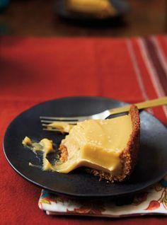 Tarte butterscotch au bourbon en croûte de pacanes   RICARDO