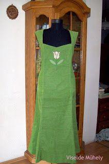 Viselde Műhely: Tulipános kordruha Dresses, Fashion, Vestidos, Moda, Fashion Styles, Dress, Fashion Illustrations, Gown, Outfits