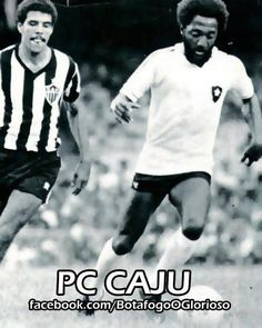 Jogador de técnica excelente, muita habilidade, inteligência na armação das jogadas e chute forte com a perna direita, só não foi unanimidade no futebol devido ao temperamento - era irreverente e debochado. Na final da Taça Guanabara de 1967, contra o América, marcou os três gols do Botafogo na vitória por 3x2 - e era o seu primeiro ano como profissional. Disputou as Copas de 1970 (e foi campeão) e a de 1974.