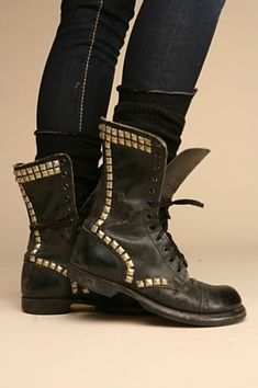 I'm not normally one to bling up anything but I WANT these boots.     Studded biker boots. I can haz?