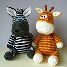 PATRONS DE TRICOT JOUET GIRAFE GERRY ET ZIGGY ZEBRA Gerry et Ziggy sont les meilleurs amis et êtes à la recherche d'une nouvelle maison. Si vous souhaitez adopter, vous pouvez tricoter votre propre girafe et zèbre copains avec ce modèle de tricot. S'il vous PLAÎT NOTER: C'est un modèle de tricot et des instructions afin que vous pouvez faire votre propre girafe et un zèbre; vous n'achetez pas les jouets finis. LE PATRON COMPREND: Numéros de ligne pour chaque étape afin que vous ne perd...