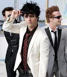 Lirik Lagu Green Day - Basketcase | Black Room13