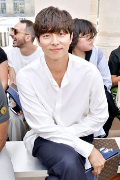Gong Yoo attends the Louis Vuitton Menswear Spring/Summer 2018 show as part of Paris Fashion Week on June 2017 in Paris, France. Busan, Goblin Gong Yoo, Spy Girl, Kim Woo Jin, Yoo Gong, Kyung Hee, Goong, Lee Min Ho, Kpop