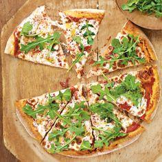 Arugula and Fresh Mozzarella Pizza... perfect for a girls night!!